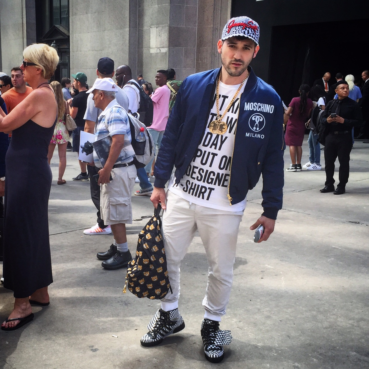 Joey Arias outside Jeremy Scott / @treuvius