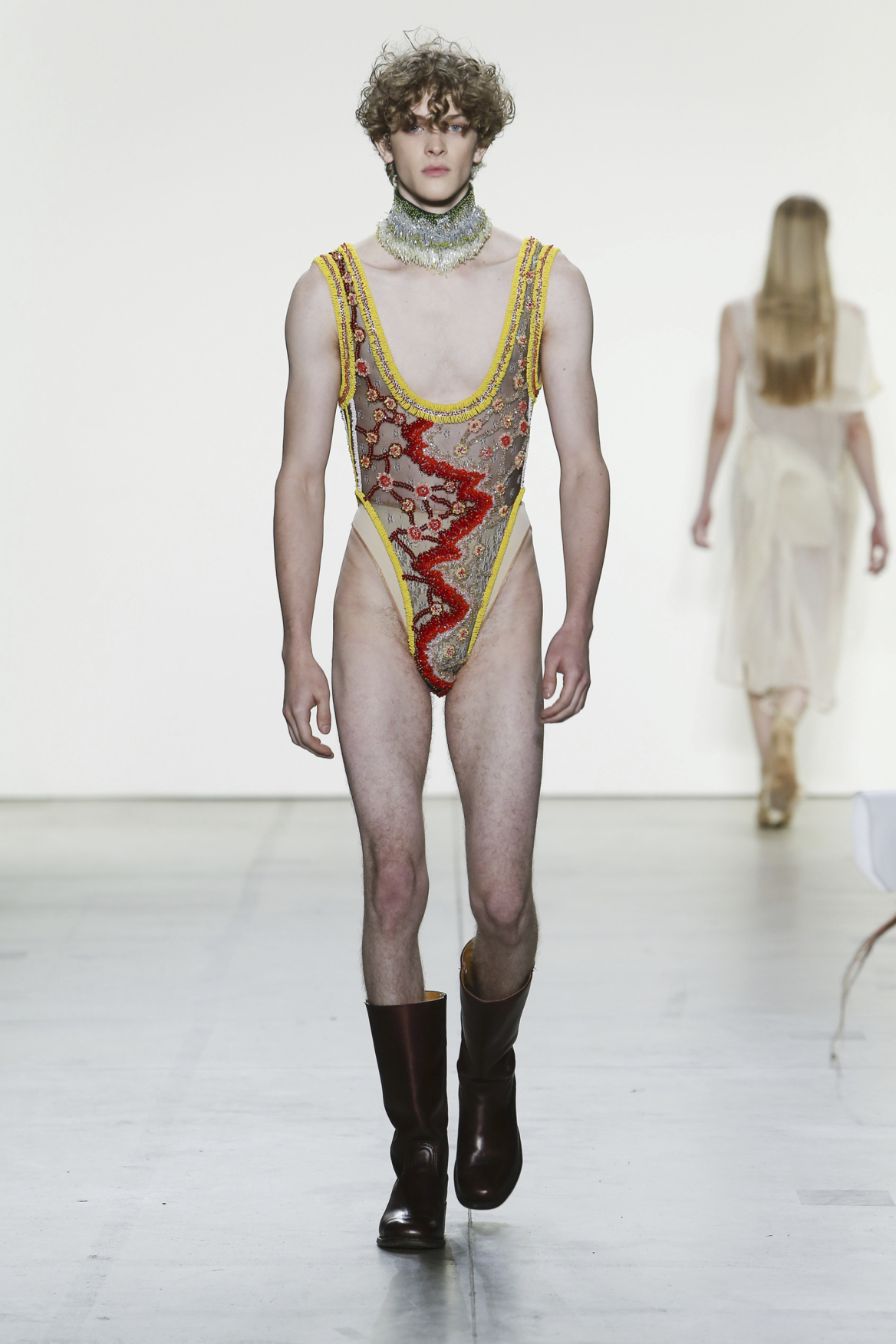 Neil Grotzinger: - Gender, Menswear, and Couture.