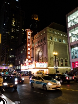 The famous Chicago Theatre in downtown Chicago
