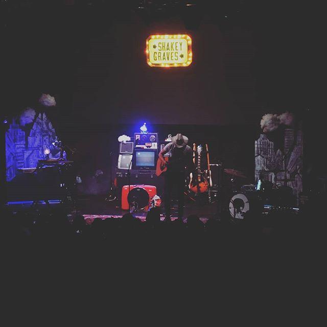 Shakey Graves at Royale, Boston // 05.13.18 . . It was pure shakey magic tonight 💕 . . @shakeygraves @royaleboston #ShakeyGraves #boston #royale #FYMS #musicsouls #livemusic #concertphotography #concert #sundayfunday #freeyourmusicsoul