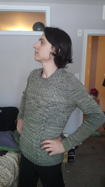 Dal knit by Decosphere and clevery adapted to a men's sweater