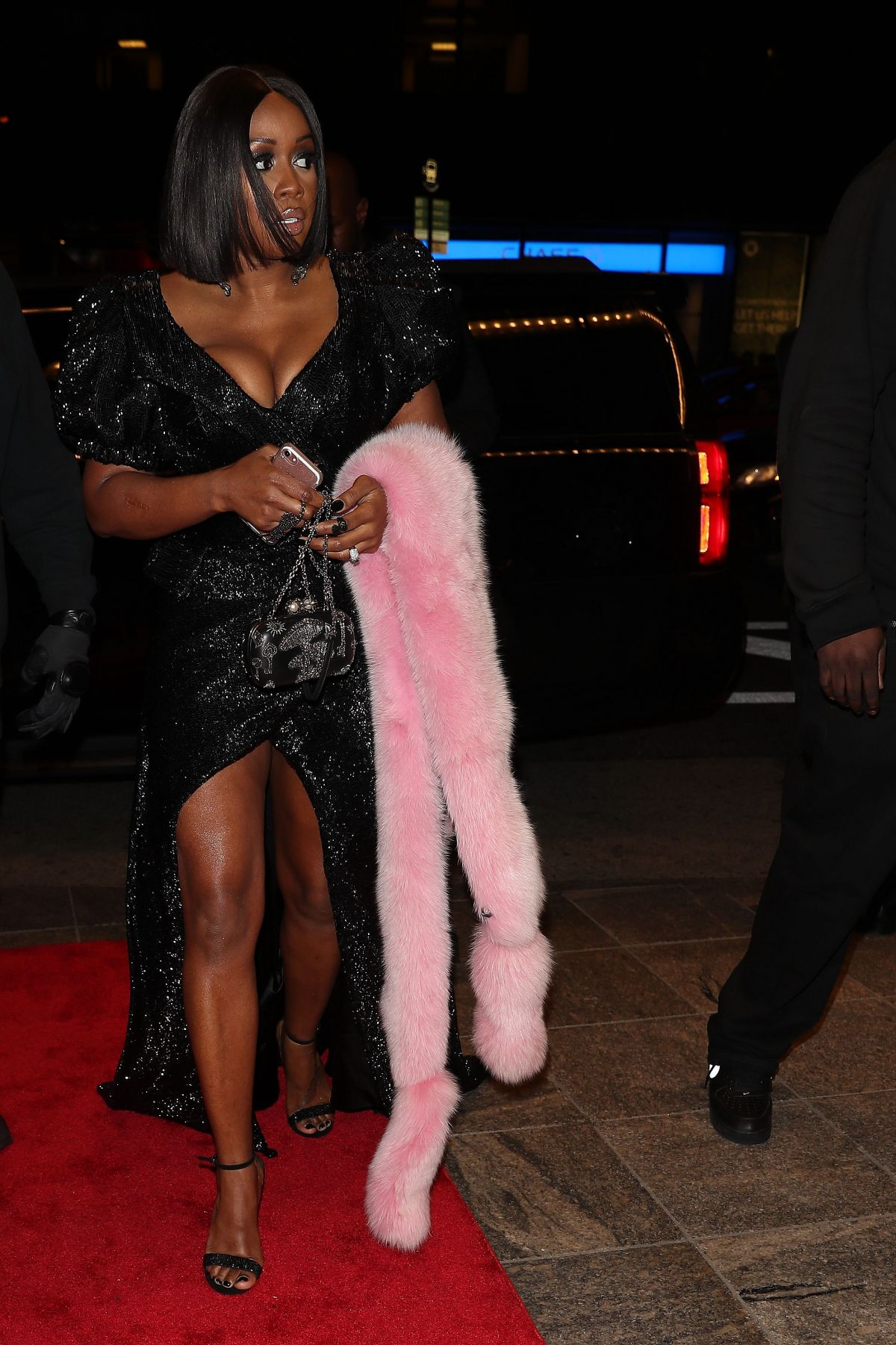- https://www.hawtcelebs.com/remy-ma-arrives-clive-davis-pre-grammy-party-in-new-york-01-27-2018/