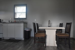 Lucky Horseshoe Cottage #17 - Interior Dining Area.JPG