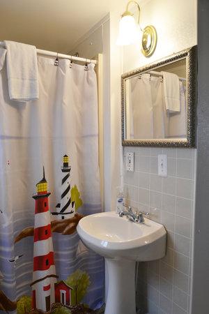 Lucky Horseshoe Room #25 Barrier Free - Interior Kitchen Sink.JPG