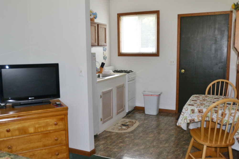 Blue Spruce Motel - Suite Number 6 - Interior Living:Dining.jpeg