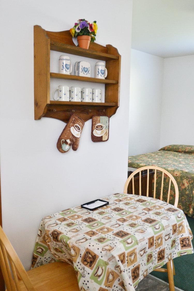Blue Spruce Motel - Suite Number 6 - Interior Dining.jpeg