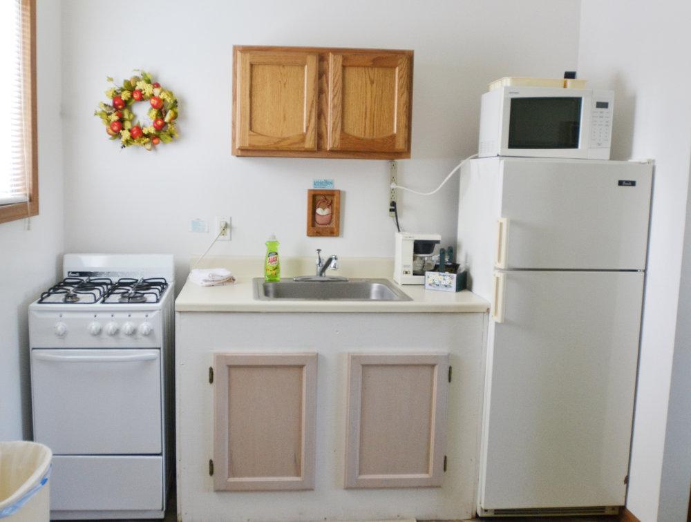 Blue Spruce Motel - Suite Number 7 - Interior Kitchen.jpeg