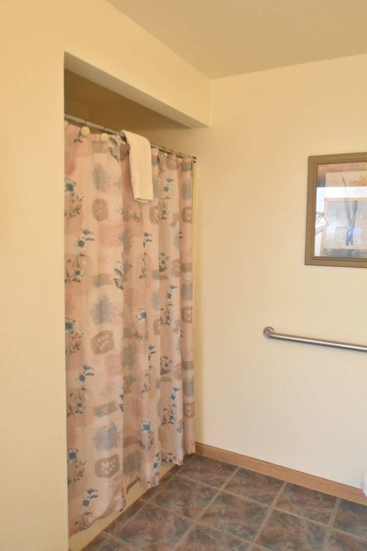 Blue Spruce Motel - Room Number 8 - Interior Bathroom - Barrier Free.jpeg
