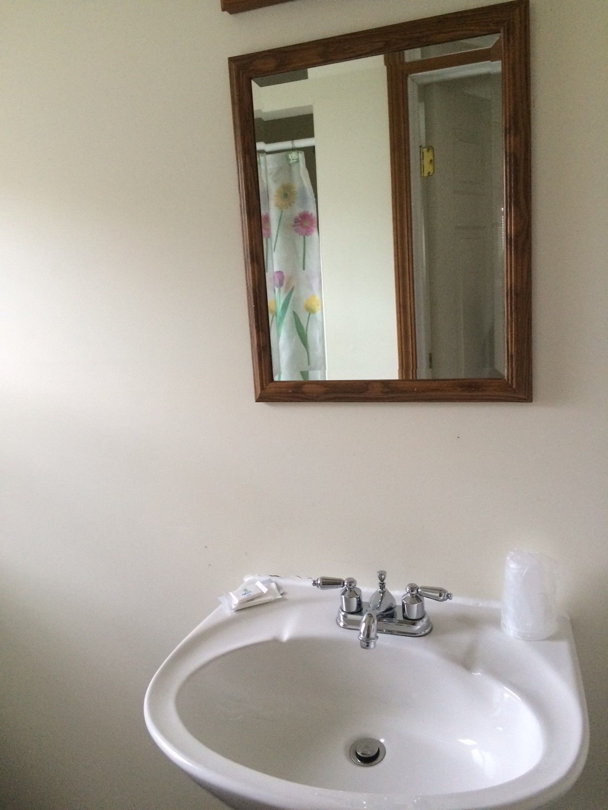 Blue Spruce Motel - Cabin Number 18 (1) - Interior Bathroom.jpg