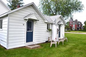 Lucky+Horseshoe+Room+#27+-+Exterior+Entrance.jpeg