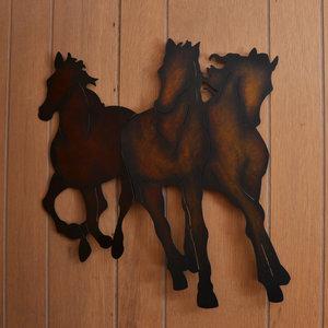 Lucky+Horseshoe+Room+#27+-+Interior+Decor.jpeg