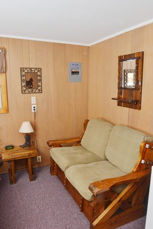 Lucky+Horseshoe+Room+#27+-+Interior+Seating.jpeg