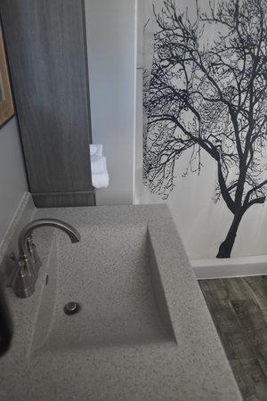 Lucky+Horseshoe+Cottage+#17+-+Interior+Bathroom+Sink.jpeg