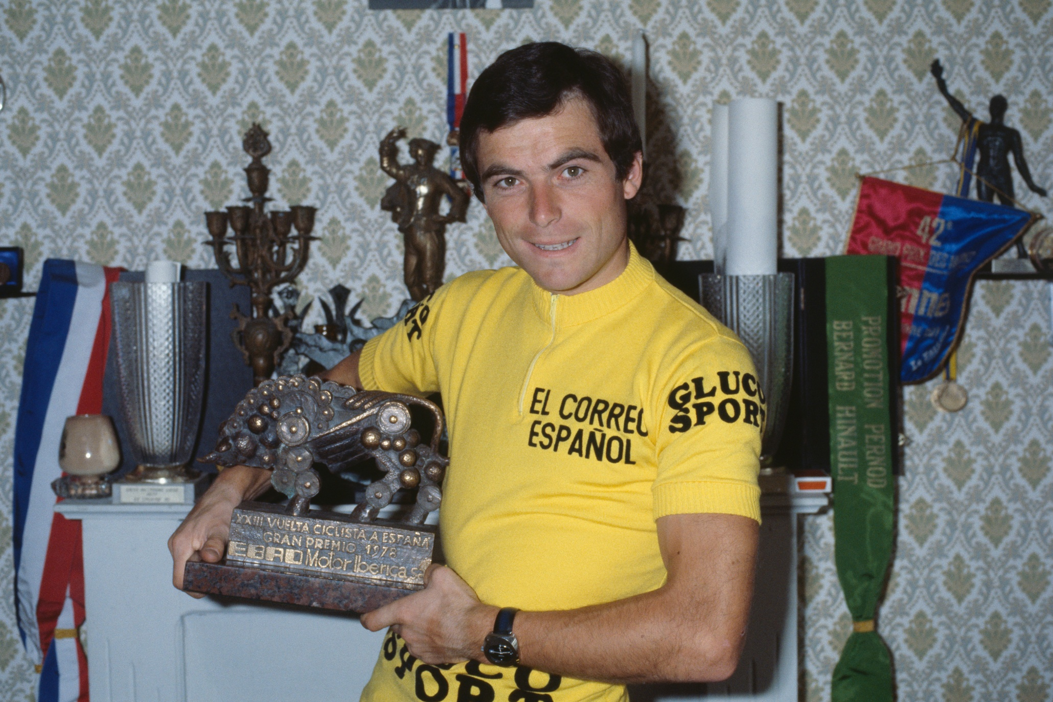 Bernard Hinault (1978, 1979, 1981, 1982, 1985)   © James Andanson/Sygma/Corbis