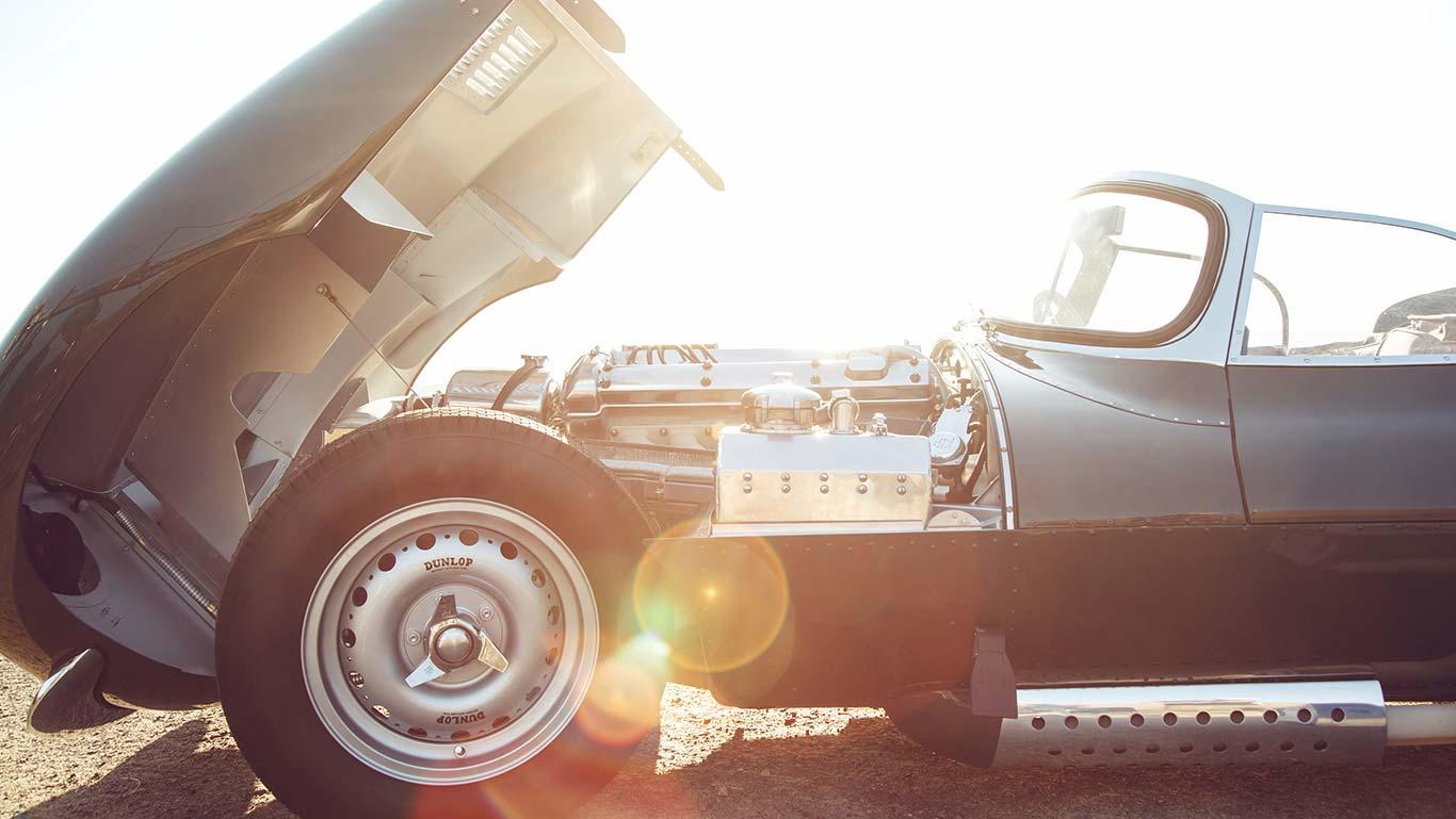 Jaguar_XKSS_LA_032_desktop_1366x769_tcm76-328403_desktop_1366x769.jpg