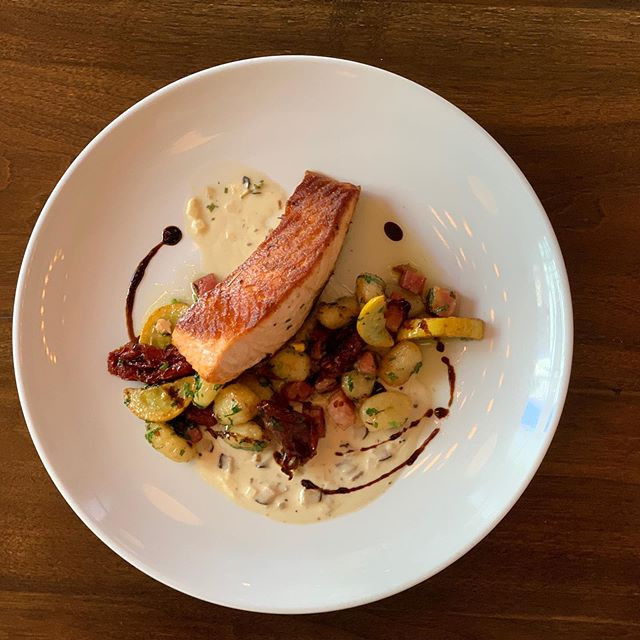 🍂 New fall salmon dish! Gnocchi, sun dried tomatoes, squash, shiitake cream! 🤤