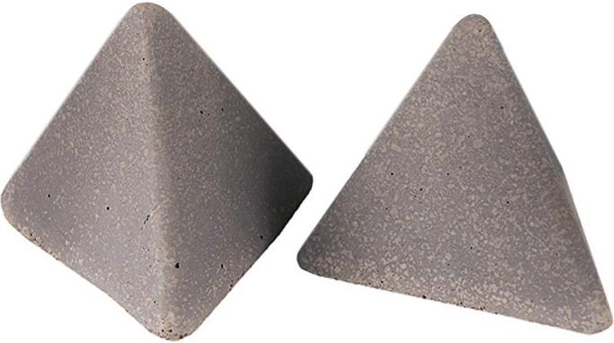 Pyramids (geo-ps-2l)