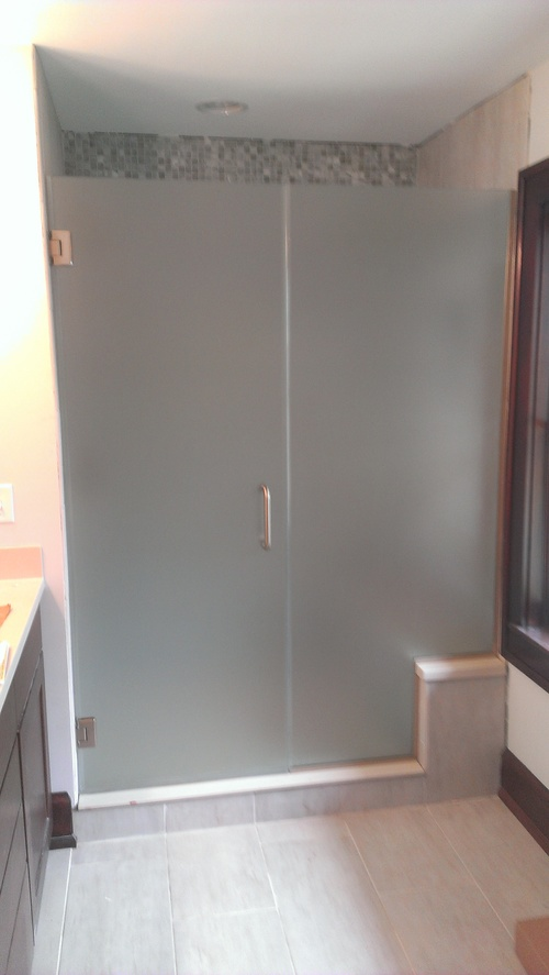 3/8'' Frameless Frosted Glass Hinge Door w/ Notched Inline Panel