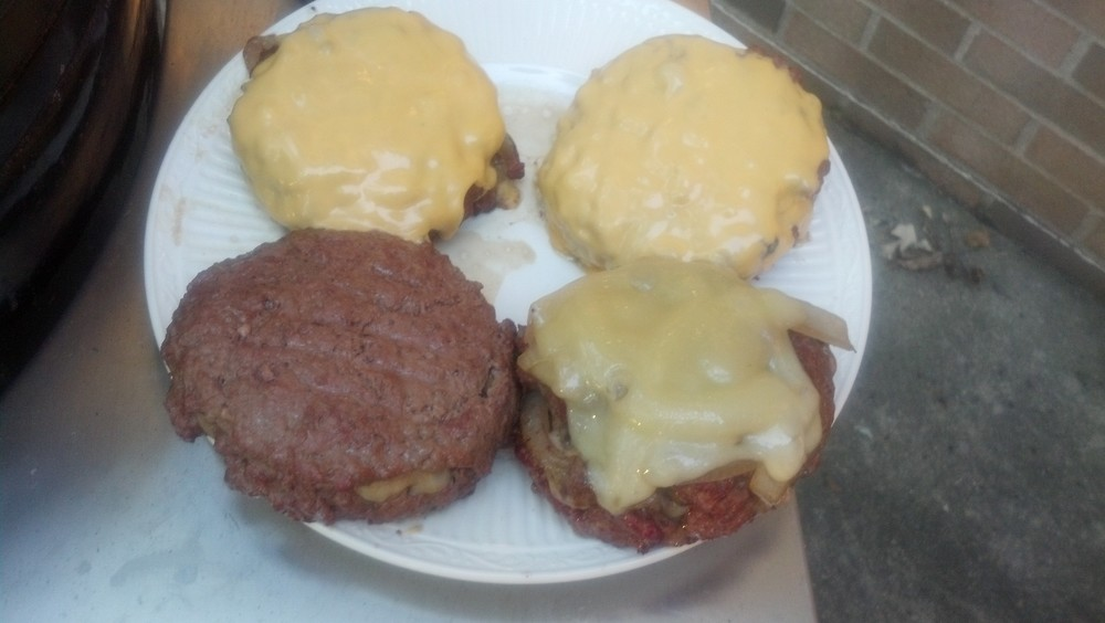 Cheese+Stuffed+Burgers.jpg
