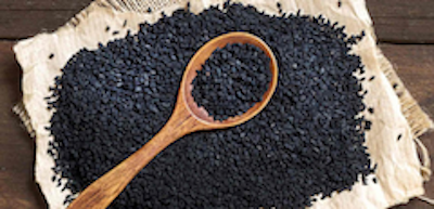 (     Mountainhills - Own work, CC BY-SA 4.0     )     Black seed oil:  a powerful antioxidant, black seed oil has a host of beneficial uses. It has been shown to be anti-inflammatory, hydrating, and to aid in wound healing.   ewg = 1