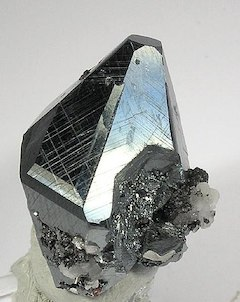 (     Rob Lavinsky, iRocks.com – CC-BY-SA-3.0, CC BY-SA 3.0     )           Hematite:   As no artificial colorants or glitter are used in our soaps, we use the Earth's glitter.    ewg = 1