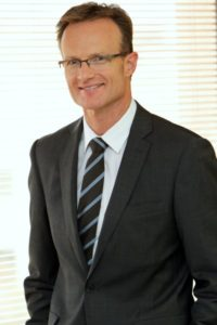 Dr Lachlan Henderson