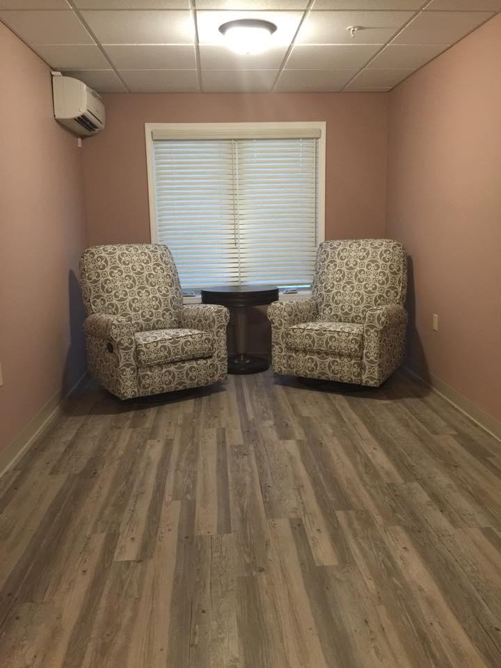 Mauve Sitting Area.jpg