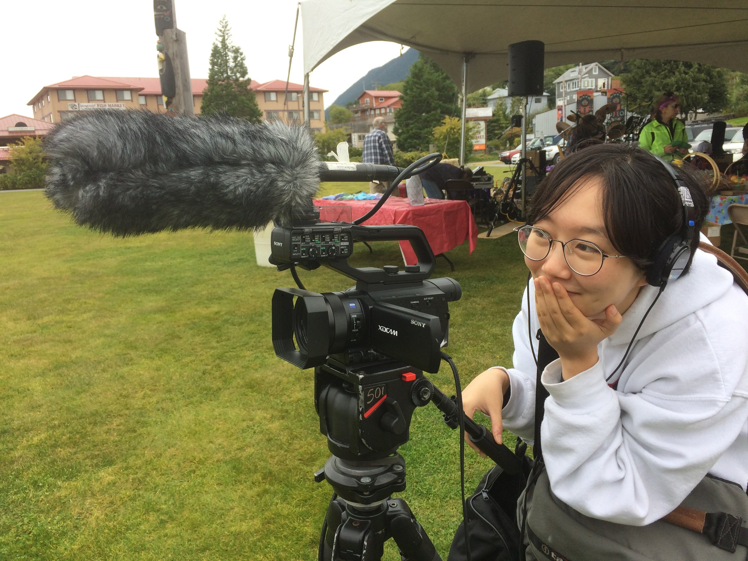 serin lee shooting an episode