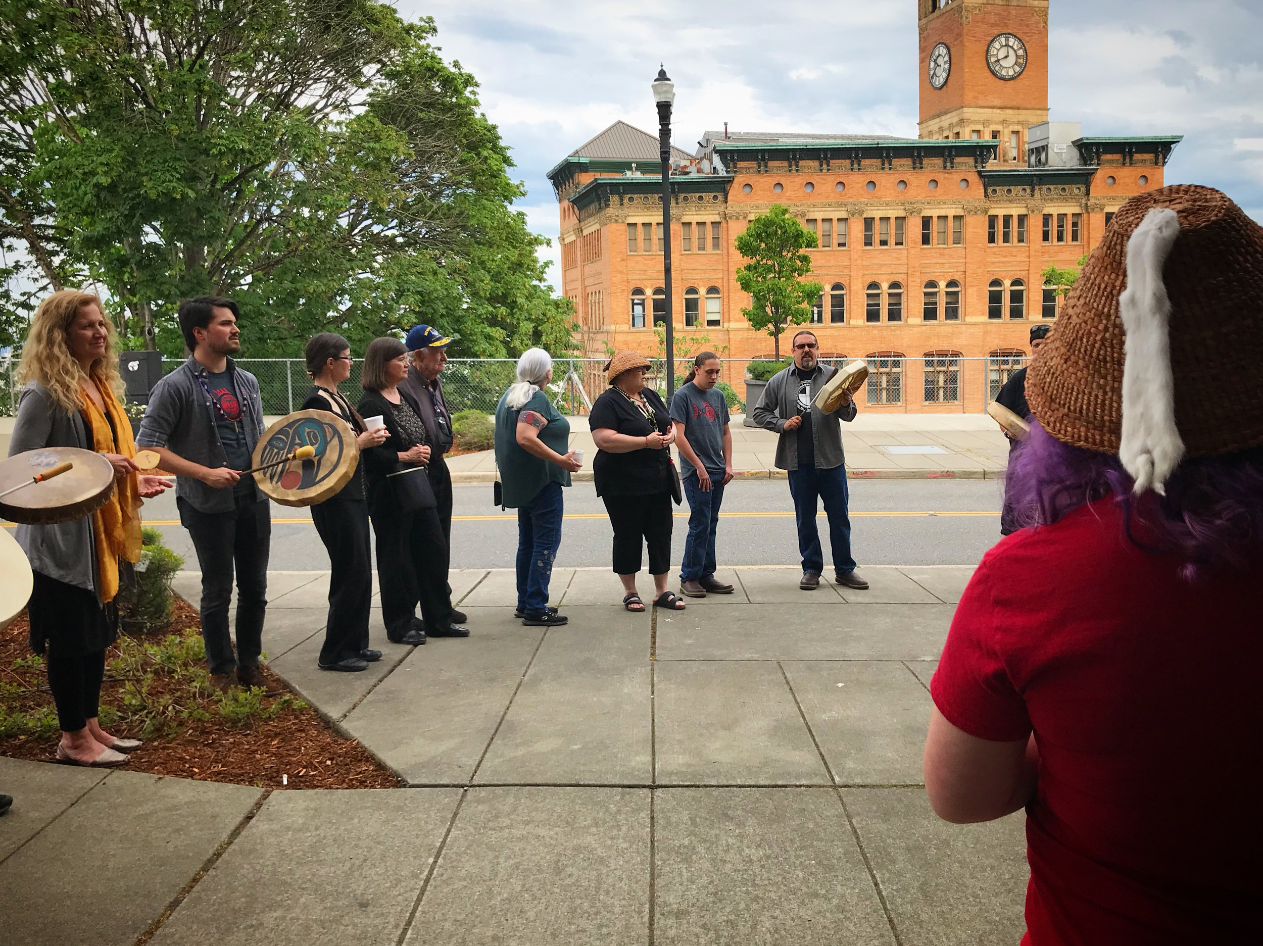 Chinook Nation citizens gather in Tacoma to celebrate a successful day in court.  // Photo by Sarah Salcedo, 2018.