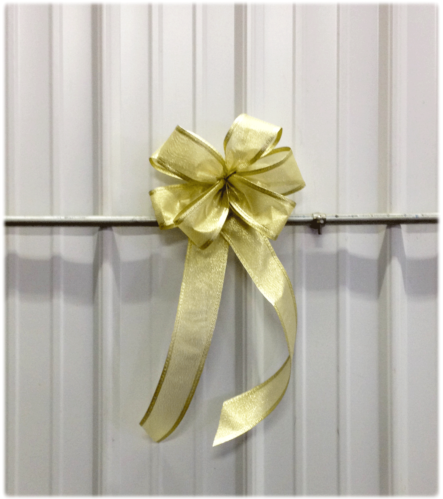 Gold-Bow-v2.png