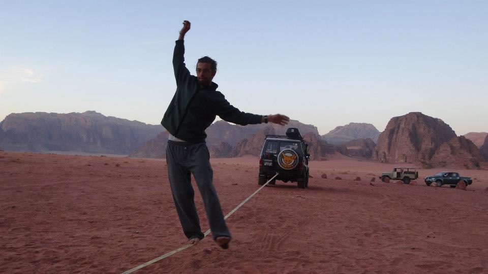 slacklining aboud wadi rum.jpg