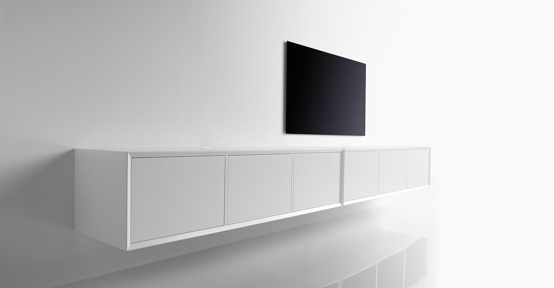 Clic - mediamøbler fra Danmark. Tekstildører for høyttalere og/eller IR-signaler og alt annet er ferdig utviklet.