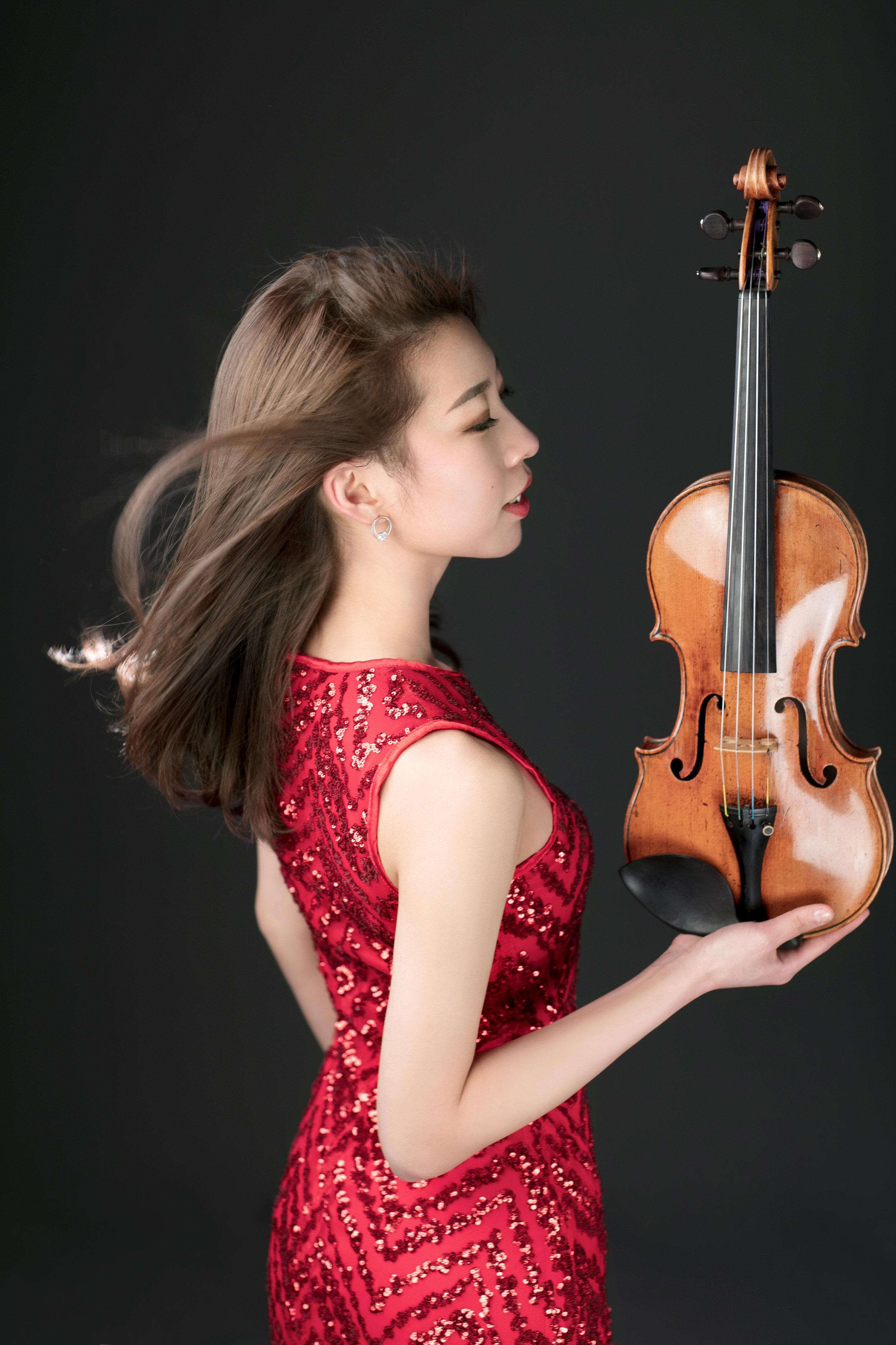 julia hwang.jpg