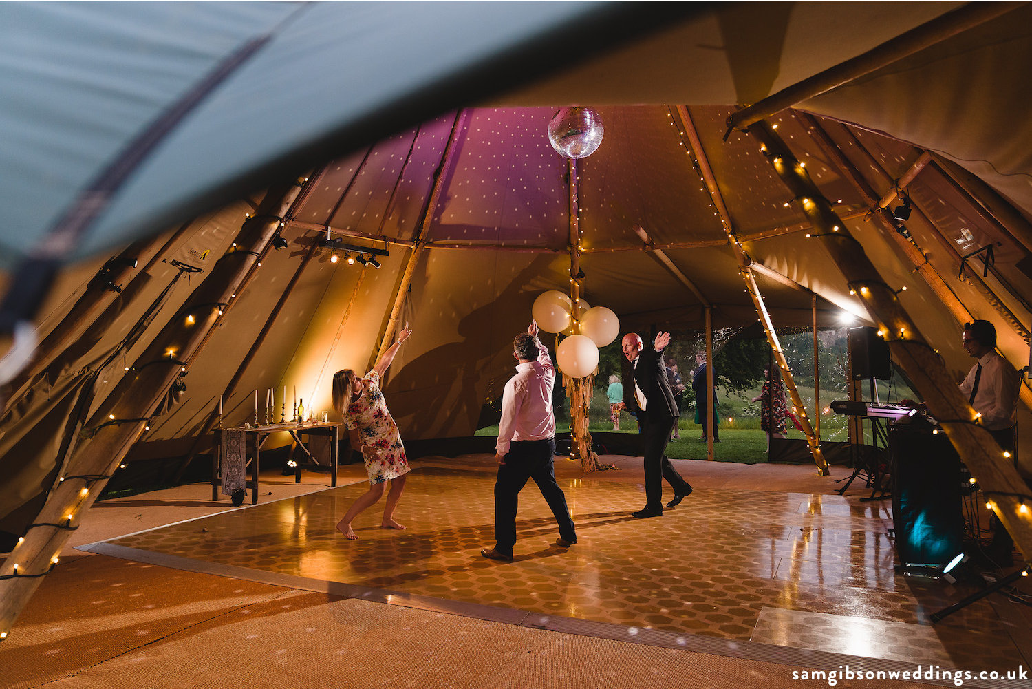 Buffalo_tipi_Bristol_wedding.jpg