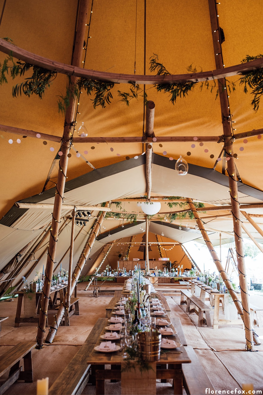 Bristol_tipi_wedding.jpg