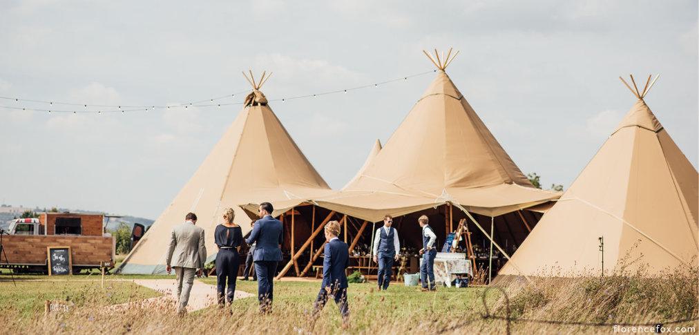 Cotswolds_tipi_wedding_Buffalo.jpg