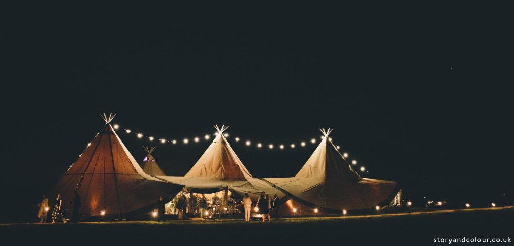 Wiltshire_tipi_wedding_Buffalo.jpg