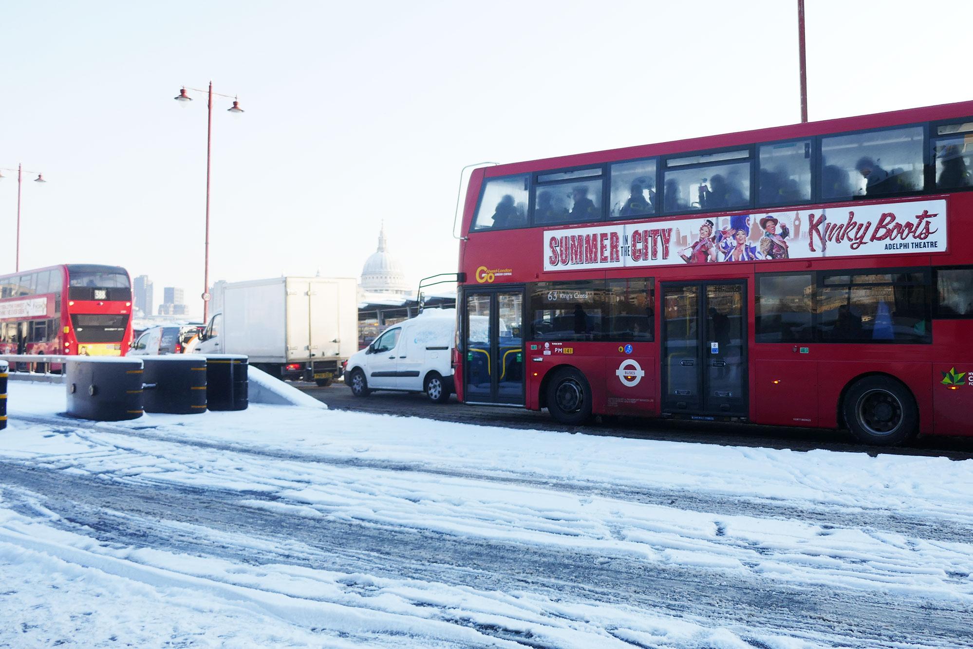 Hooray_snow_Bus.jpg