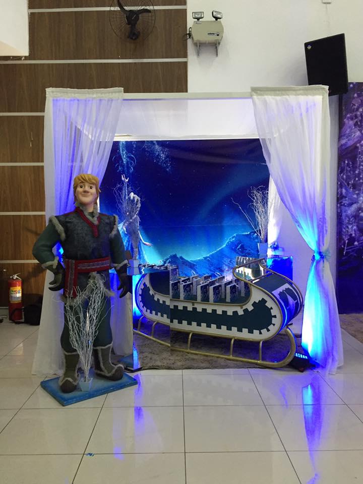 Cenário Frozen + Pergolado + Boneco 3D.jpg