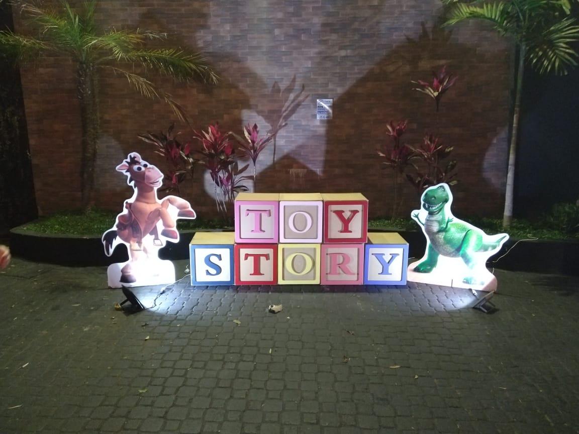CENOGRAFIa toy story.jpg