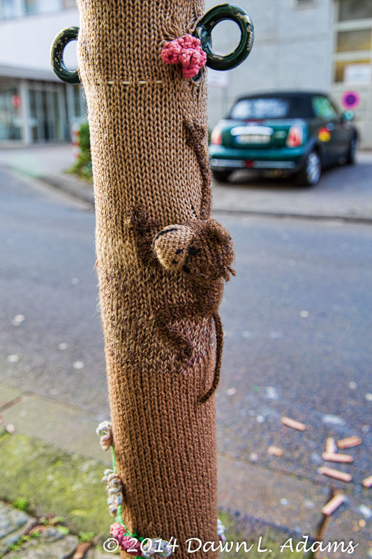 Knit Bombing-18.JPG