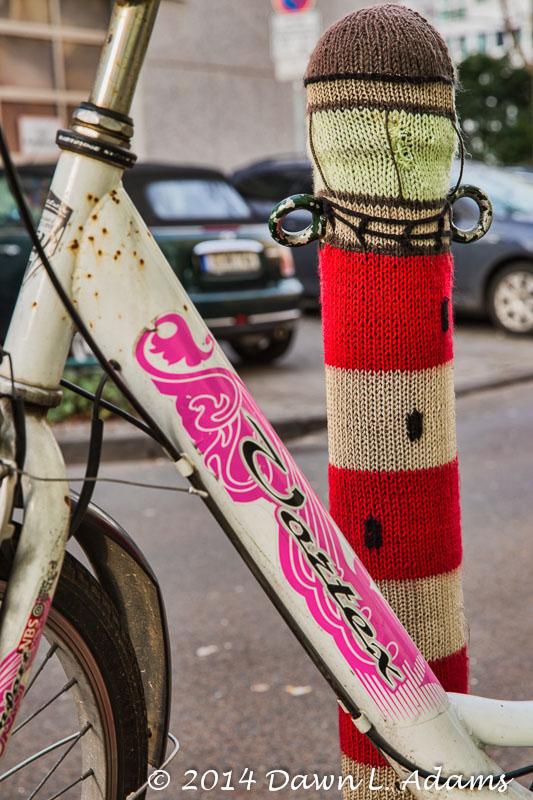 Knit Bombing-22.JPG