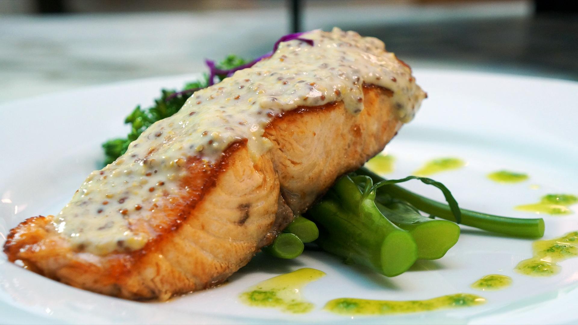 SalmonAsparagus.jpg