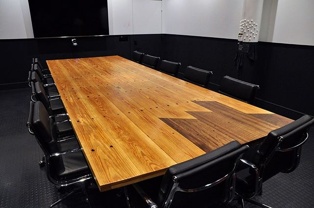 This large boardroom table was also made from repurposed bleacher boards using Douglas fir and mahogany and meant to complement the table in the previous post. This had to go up a VERY long stairway as it is 14' long and wouldn't fit in the freight elevator. A huge thanks to @turnyourheadandcoffey @hartparkridge and @tgabris for the help and near death experience. The base is a central enclosed cage design with removable hatch door for access to cables and electronics.
