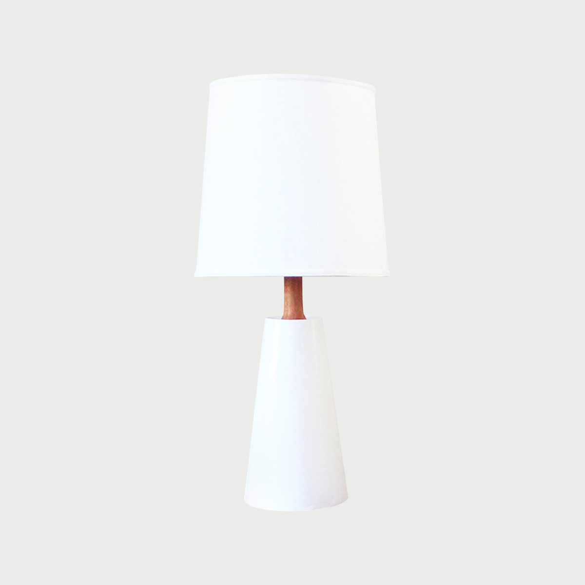 CP_-_HAWTHORNE_LAMP_-_WHITE_-_LOCATION.jpg