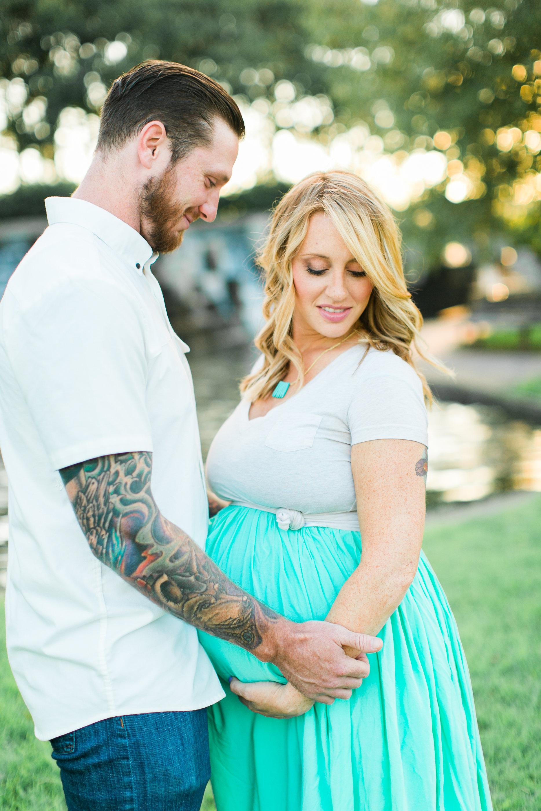 Lindsey&JOe-Maternity-64.jpg