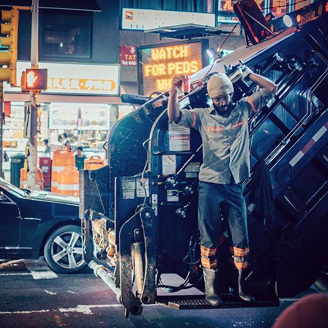 Cheers! #cocacola #cheers #flushing #flushingnewyork #realchinatown #garbagetruck #garbageman #newyork #usa #us #street #streetphotography #nikon #nikond750 #sigmaart #sigma35mmf14 #nightshift #nighttime #peopleofnewyork