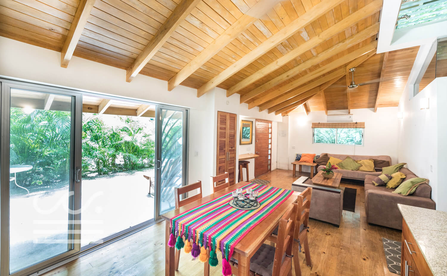 Casa-Luca-Wanderlust-Realty-Real-Estate-Retals-Nosara-Costa-Rica-50compressed.jpg
