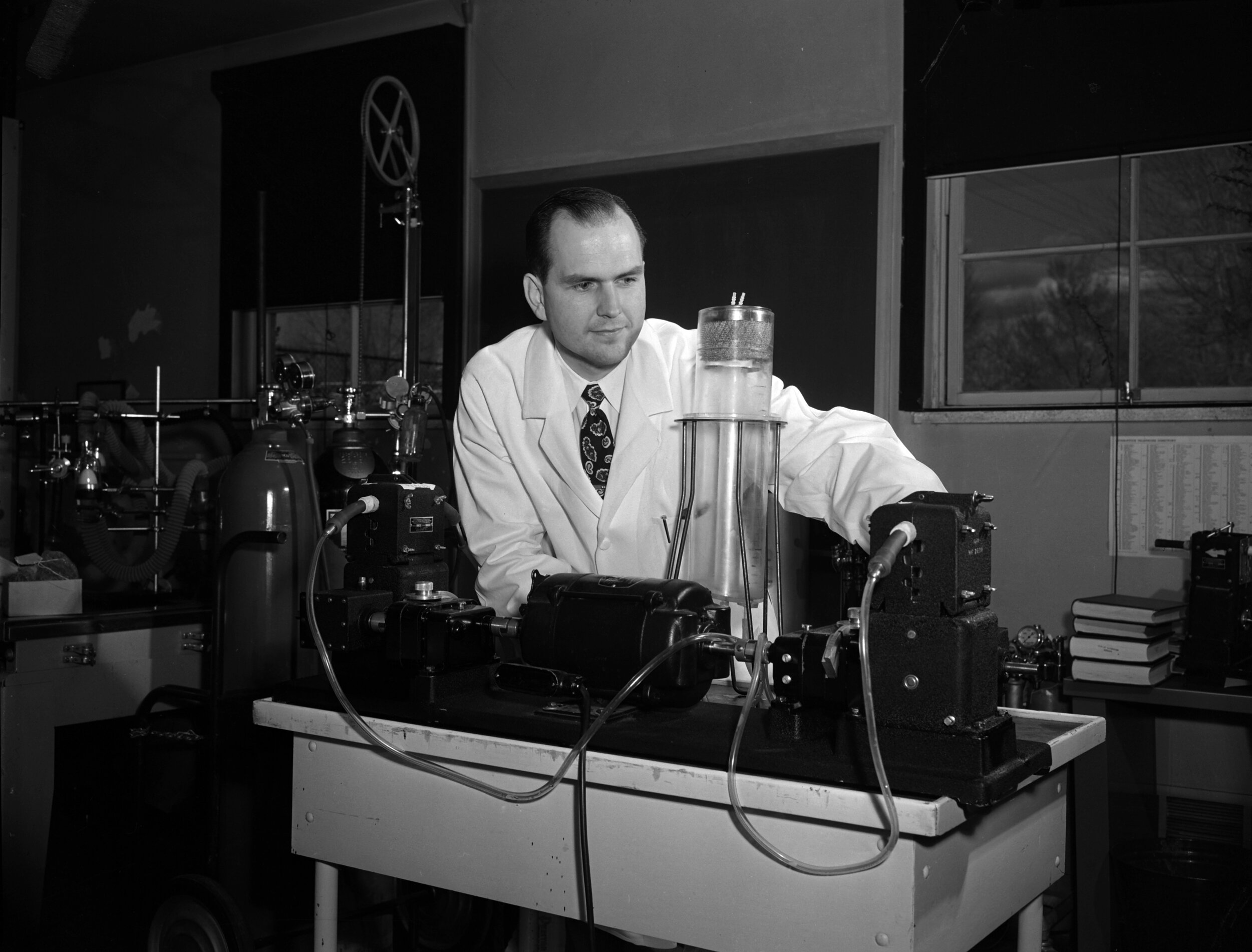 Dr. Nelson with his Heart and Lung Machine on April 8, 1956. Salt Lake Tribune Photograph courtesy of Utah State Historical Society.