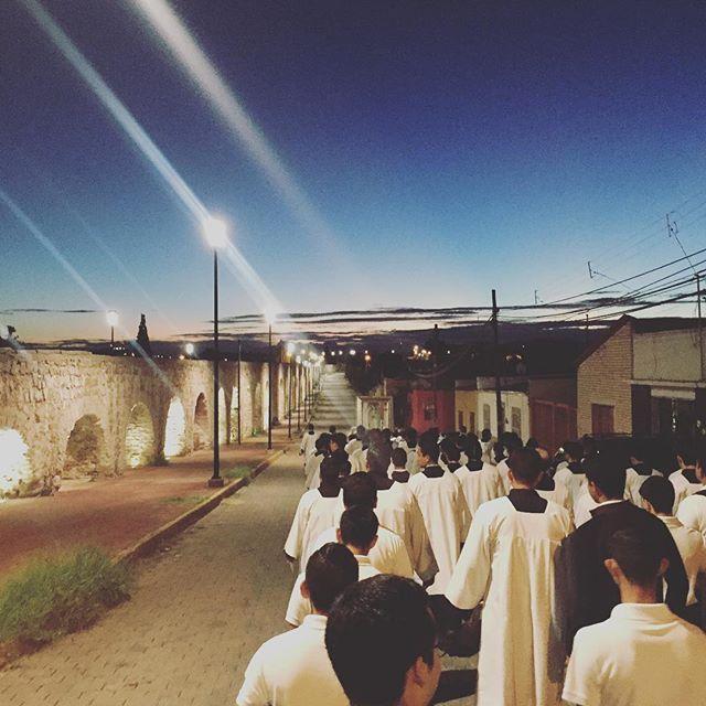 Proclamar a Cristo al mundo como Señor y Salvador